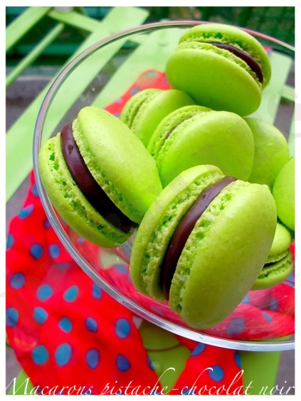 Macarons pistache-chocolat noir3