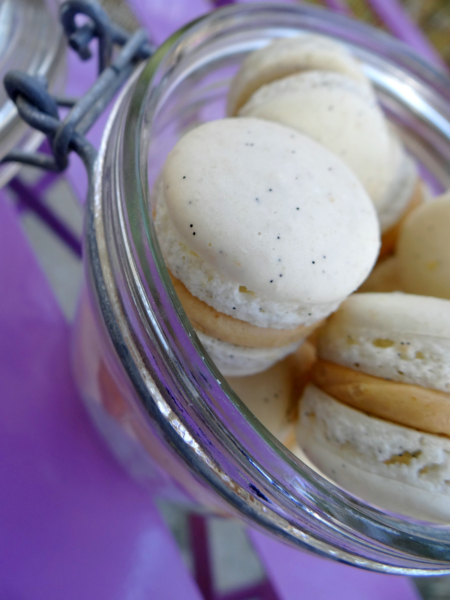 Mini-macarons tout doux vanille et caramel salé2