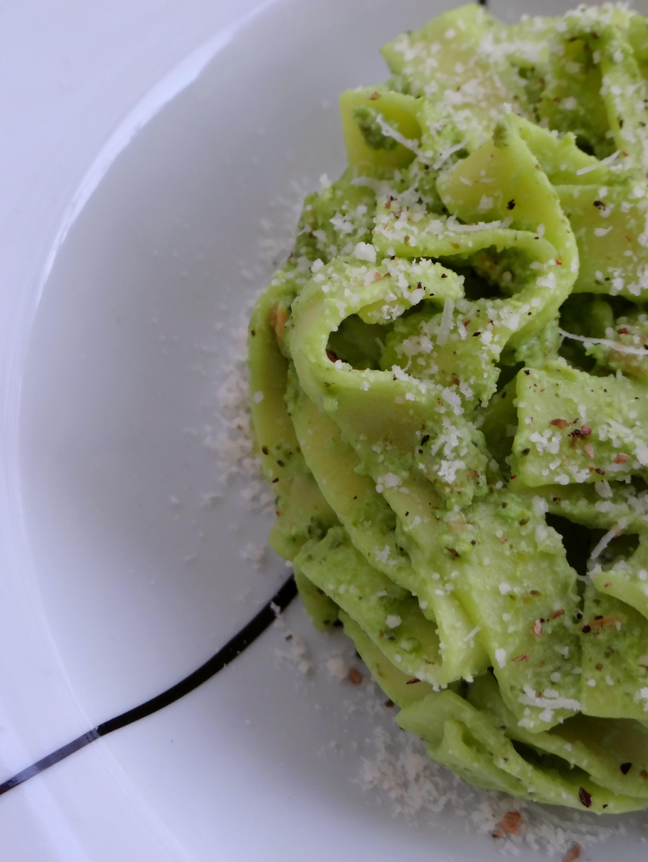 Tagliatelles +á la cr+¿me de brousse au brocoli et saumon